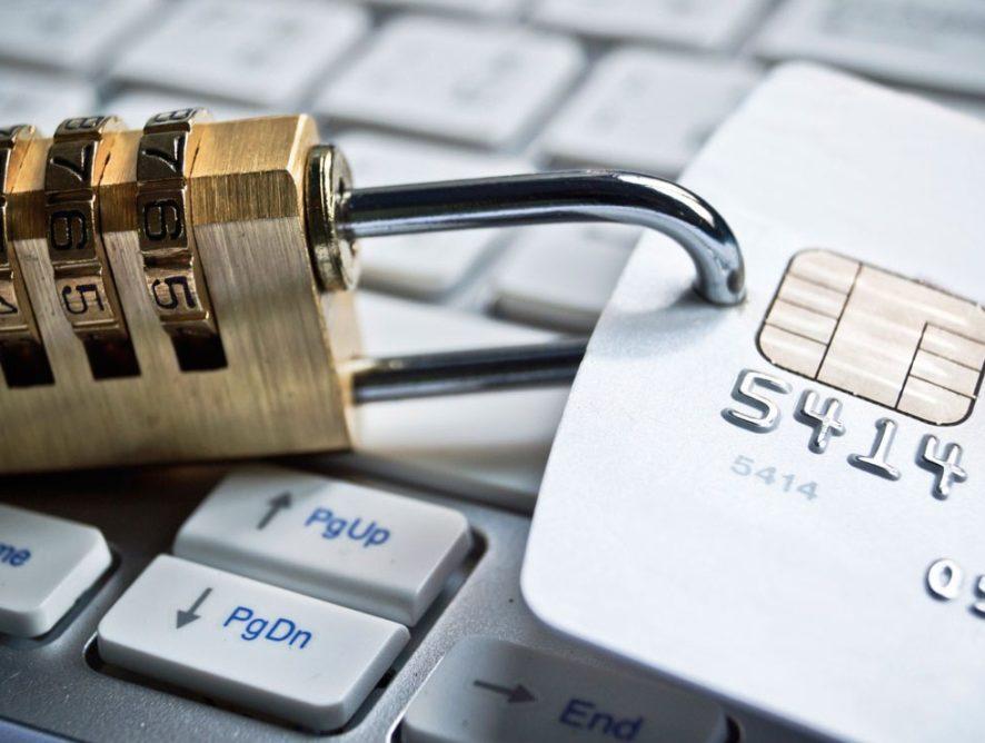 Арест кредитной карты судебными приставами – законно ли это?