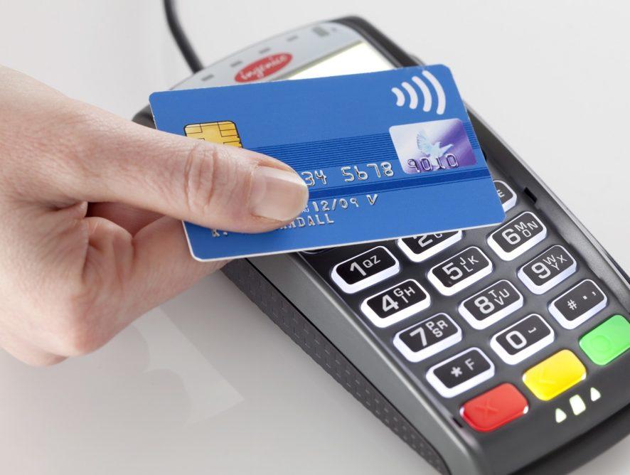 Как расплачиваться кредитной картой [за такси, ЖКХ, билеты, такси]