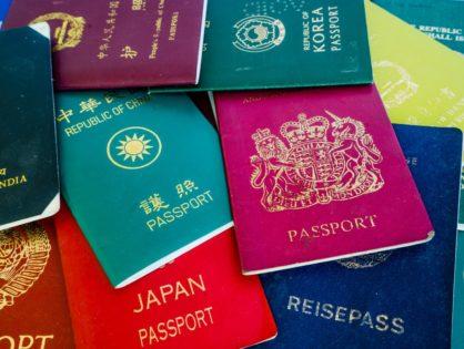 Нотариальный перевод паспорта: когда заверять и что для этого требуется